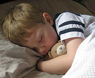 Anak tidak takut tidur sendirian