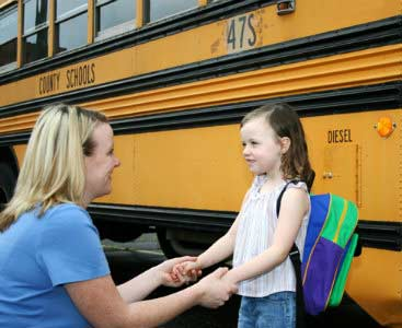 4 tips agar anak agar berani sekolah sendiri tanpa diantar