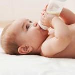Sistem Imun Bayi yang Minum ASI dan Susu Formula, Kuat Mana?
