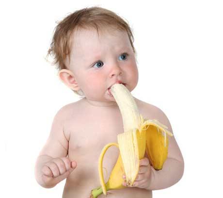 Mengatasi sembelit & diare pada bayi dengan pisang