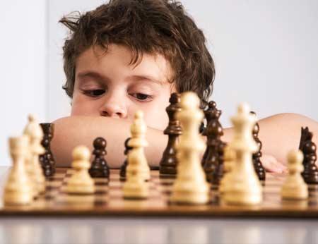 manfaat bermain catur bagi anak