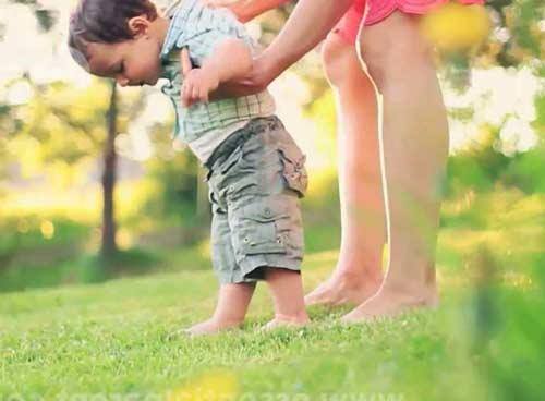 5 tanda perkembangan anak bayi yang terlambat