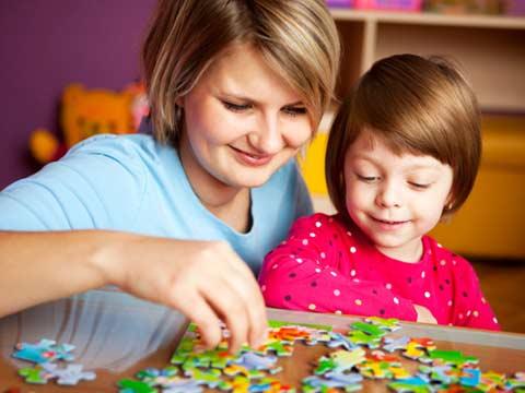 5 manfaat bermain puzzle bagi anak balita