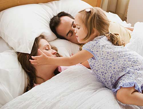 Kenapa anak bayi jangan tidur dengan orang tua?